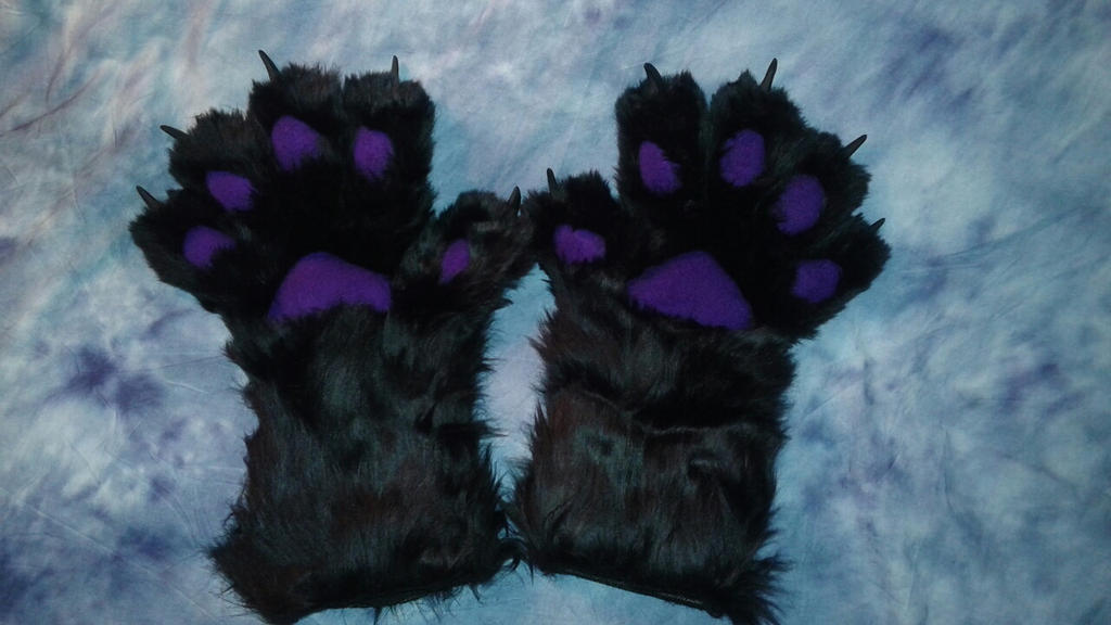 Paws by OurMassHysteria