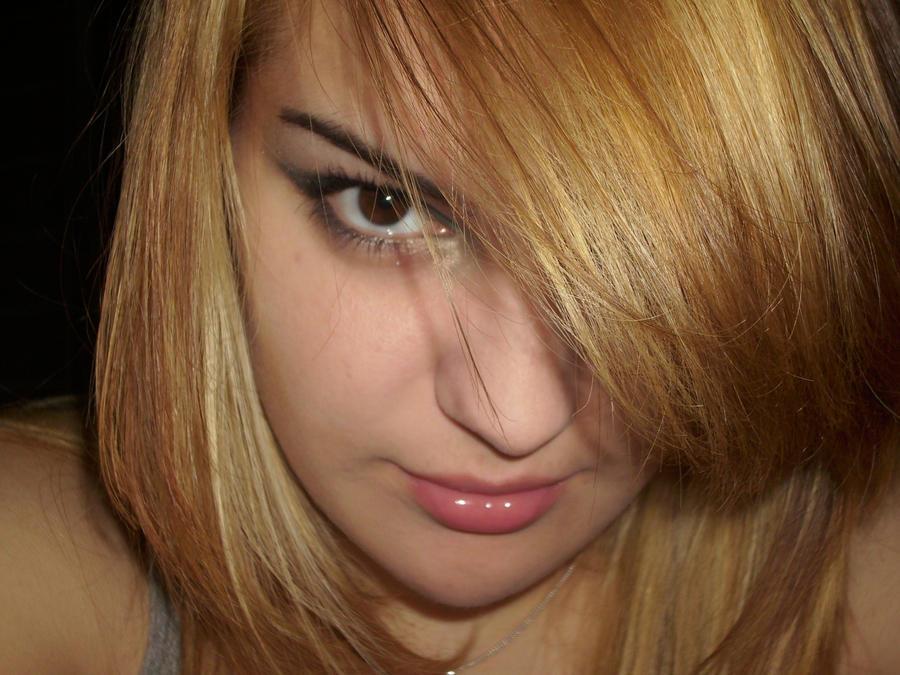blondy by deepurplealex