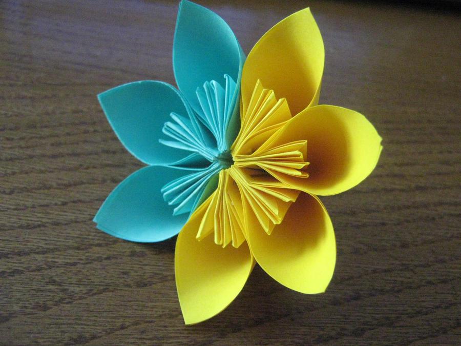 Origami flower by DarkUmah