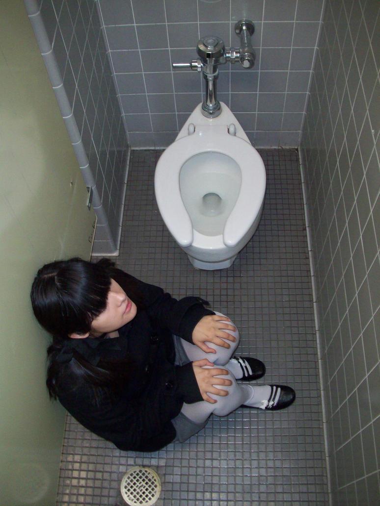 Orphan bathroom scene by vampire-nekochan ...
