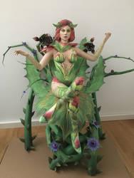 Poison Ivy Papercraft by giden445