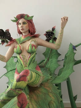 poison ivy Papercraft view 2