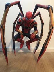 Infinity War Iron Spider Papercraft by giden445