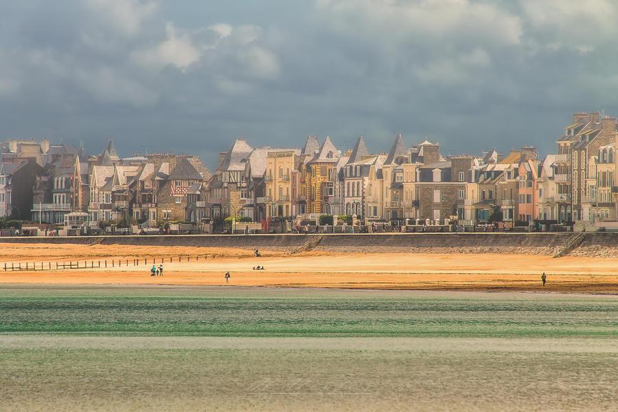 St. Malo beach Ille-et-Vilaine  France by hubert61