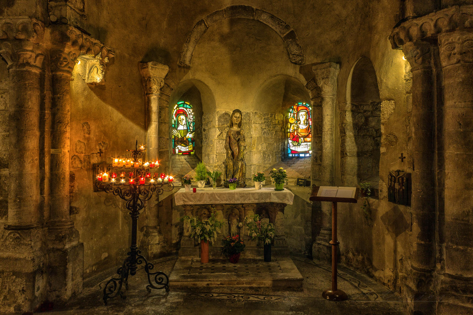 altar1 Laval Mayenne France by hubert61