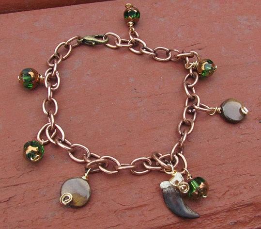 Green Eyed Red Fox Claw Bracelet by MorRokko