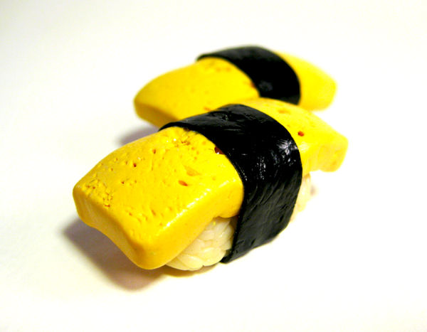 Egg sushi by lava-tomato