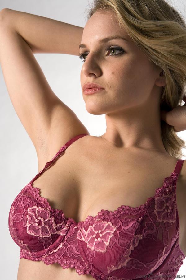 Liz Ashley Nude Photos 34