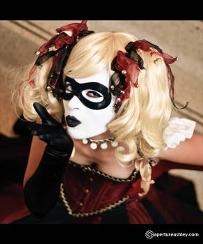 AFest '11 Harley Quinn: Muah!