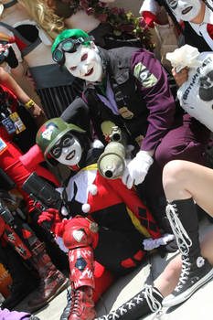 SDCC 2012: DCUO Harley and her Puddin