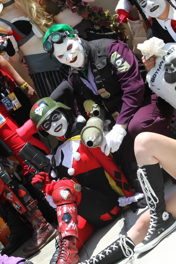 SDCC 2012: DCUO Harley and her Puddin by Enasni-V