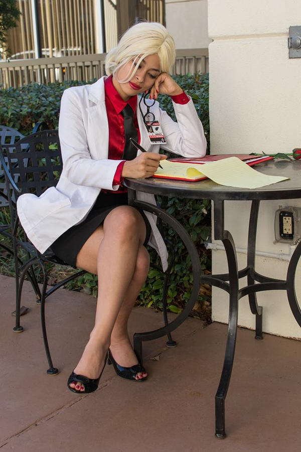 Dr Quinzel - Notes by Enasni-V