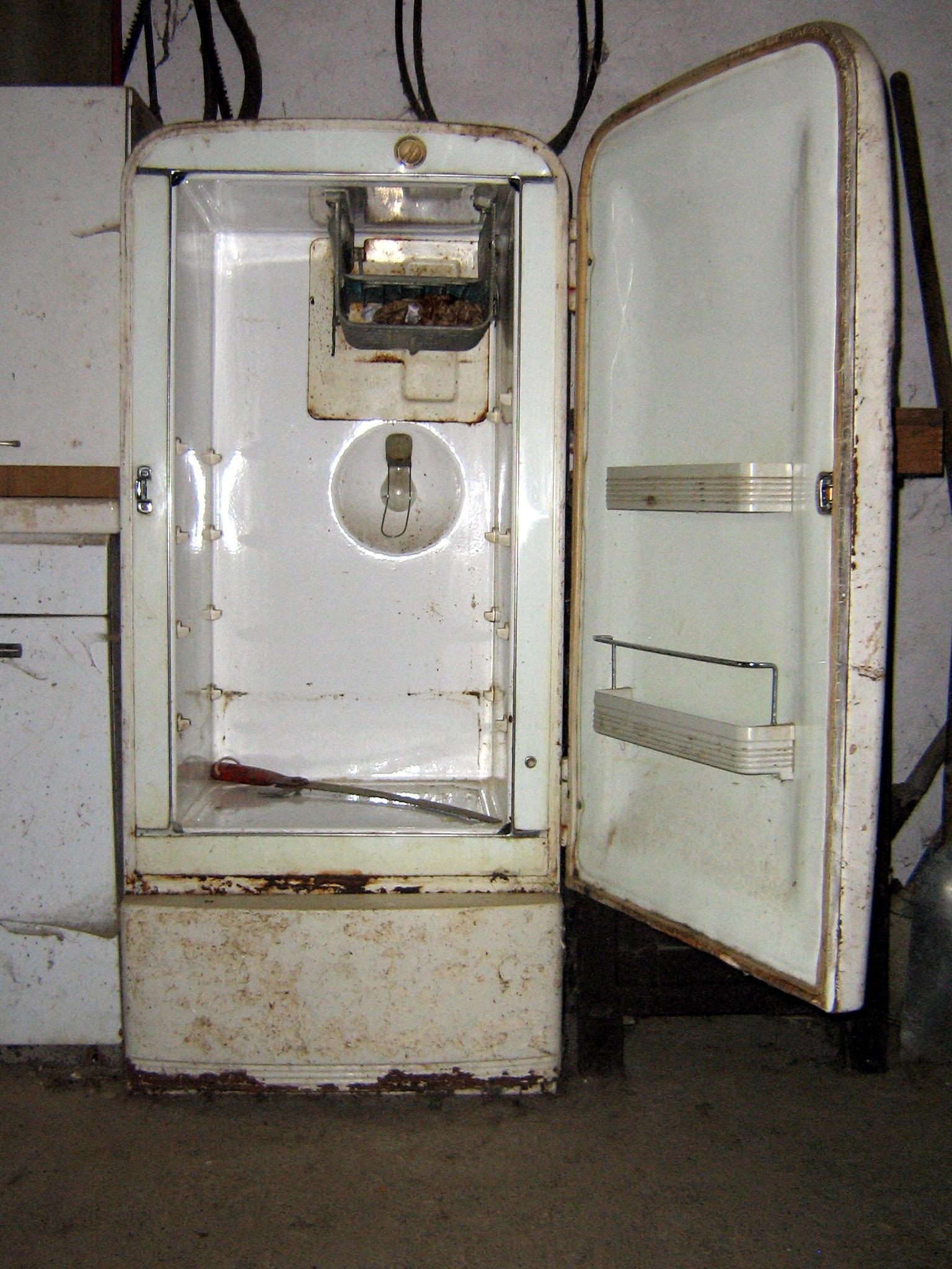 Refrigerator 2 by Alberto-stock