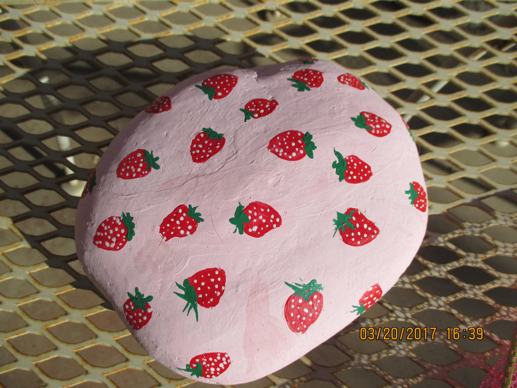 Strawberry rock by wrathberries