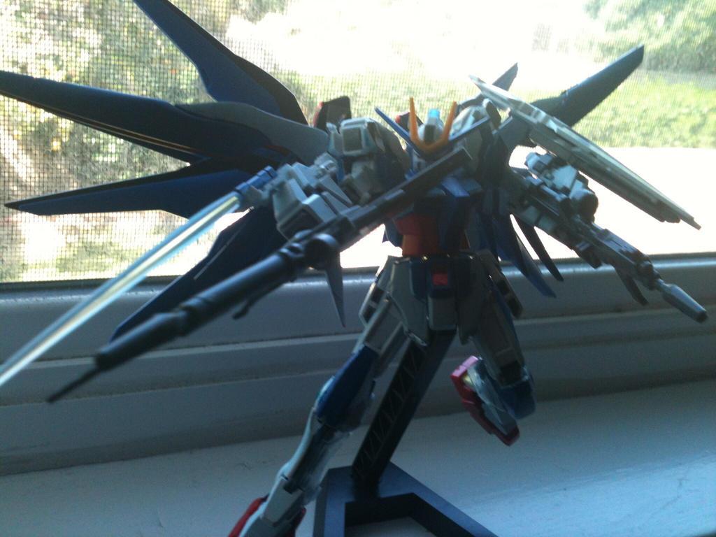 Star Cosmo Gundam by XrosBrony