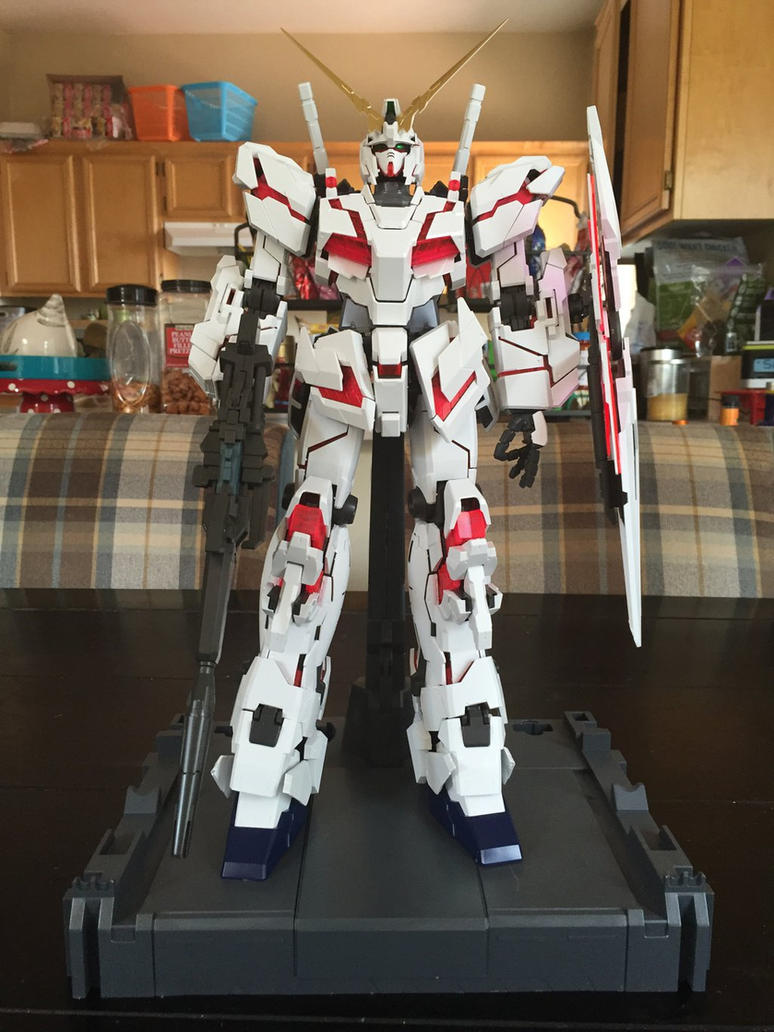 PG Unicorn Gundam Destroy Mode by XrosBrony