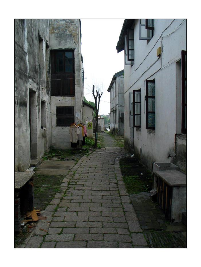 Back Alley - D by devildevine