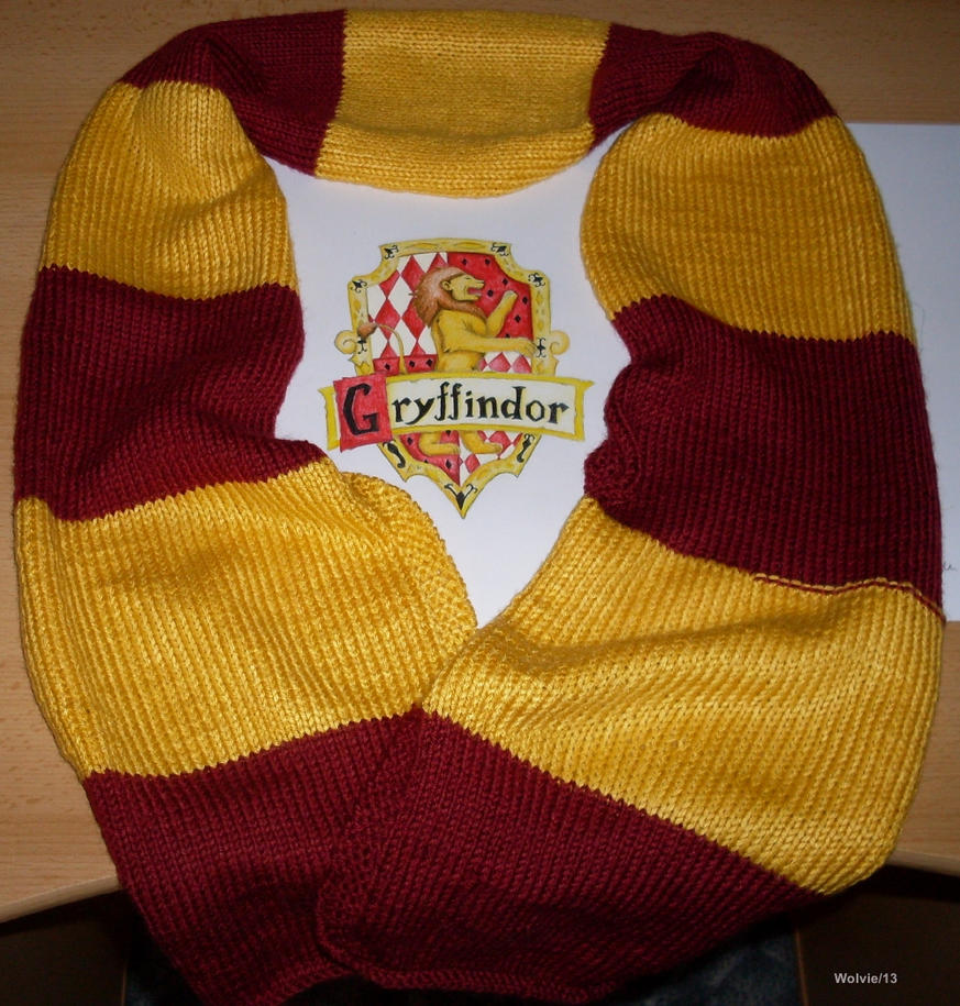 Knitting Pattern Gryffindor Scarf : Harry Potter knitting Gryffindor scarf by ChibiThekla on DeviantArt