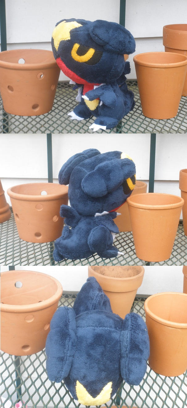 Garchomp Pokedoll by GlacideaDay