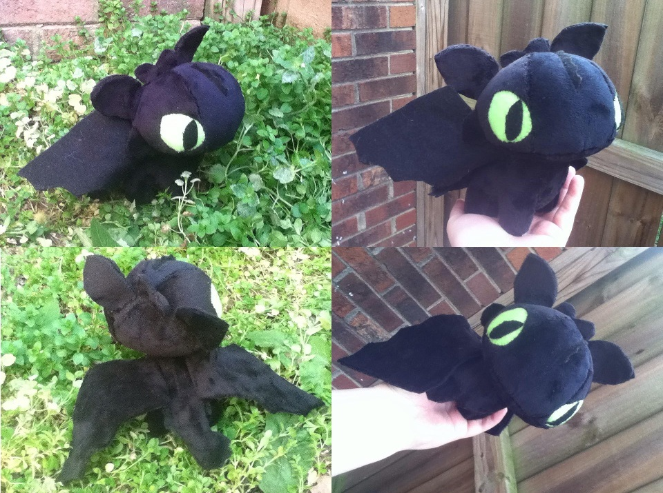 Toothless Plush by GlacideaDay