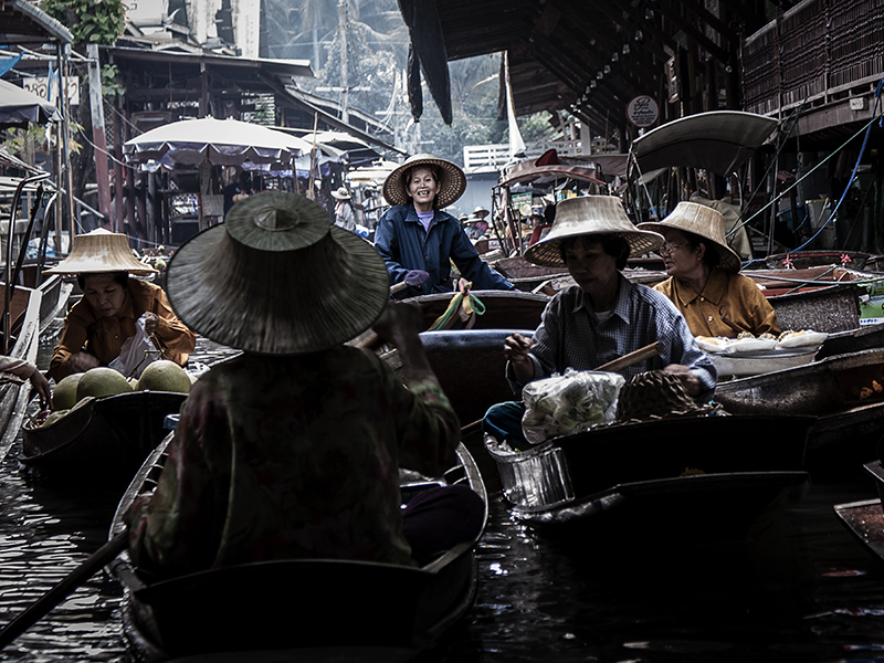Busy Floating Market by InayatShah