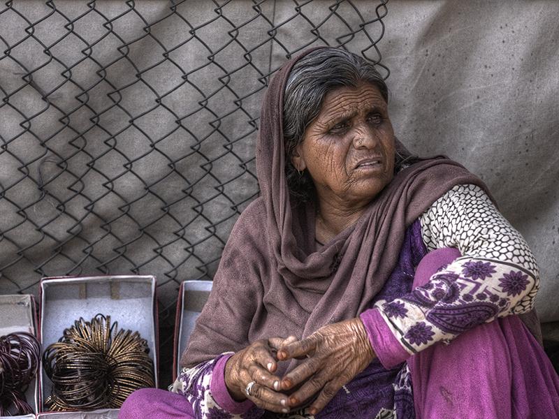 Bangle Seller - II by InayatShah