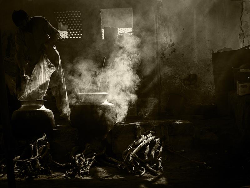 Cooking A Degh by InayatShah