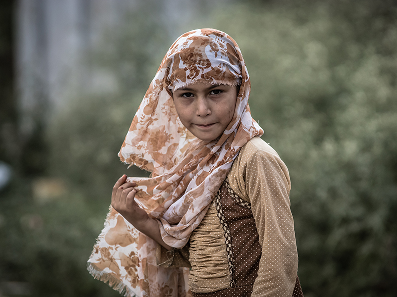 Girls Go To Market -III by InayatShah