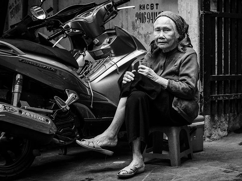 Hanoi Street - VII by InayatShah