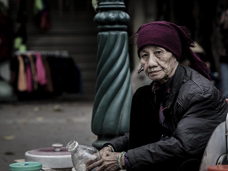 Hanoi Street - IX by InayatShah