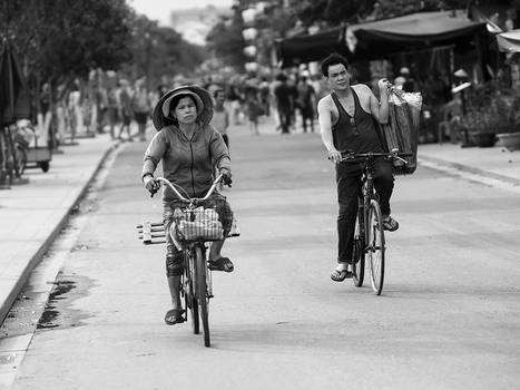 Cyclists RW22