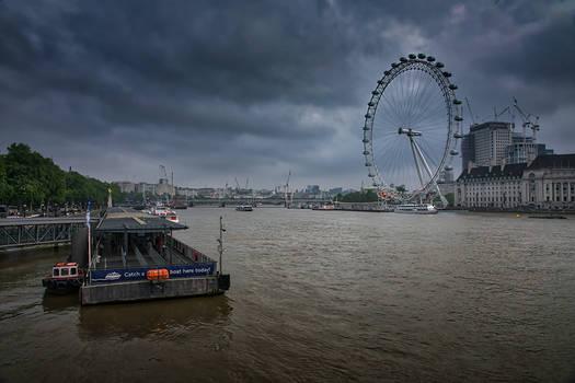 The Thames At Dawn RW0921A
