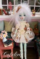 Cafuliett -Monster High Doll Frankie Stein Repaint by blanki