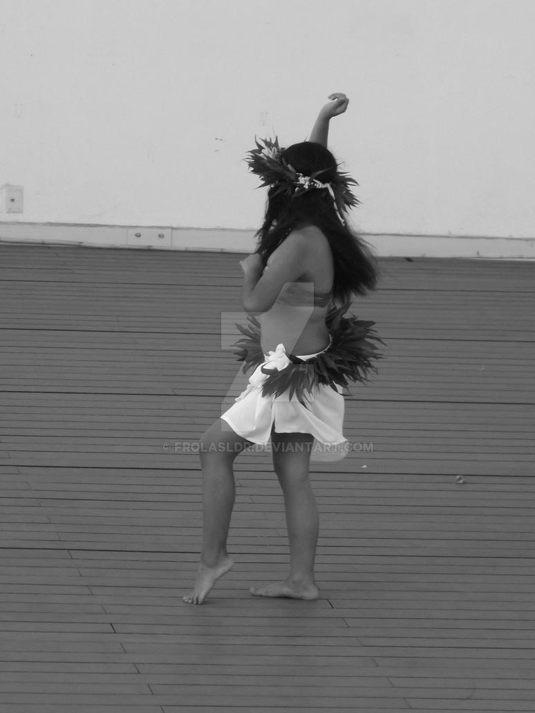 Polynesian dancer 5 by Frolasldr