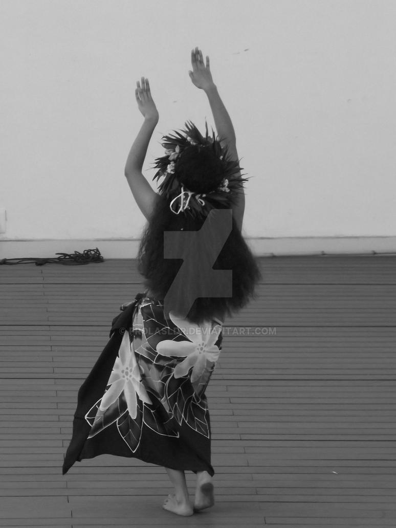 Polynesian dancer 7 by Frolasldr