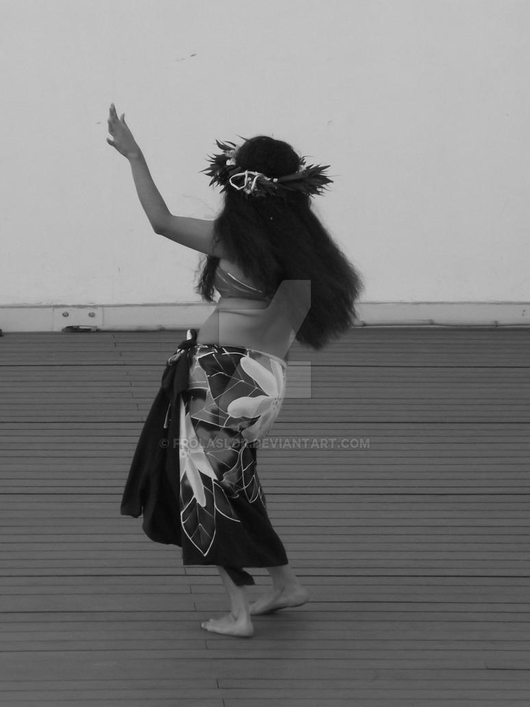 Polynesian dancer 8 by Frolasldr