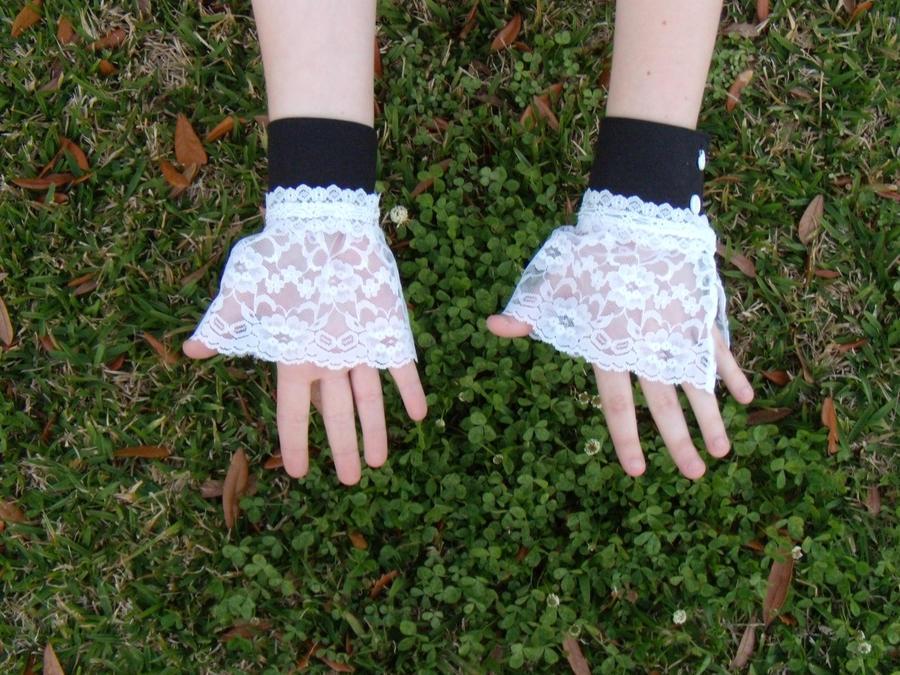 Lolita Wristlets pt 2. by Rena-Inuyasha ...