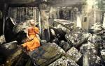 Praying monk at Ta Prohm by GregoriusSuhartoyo