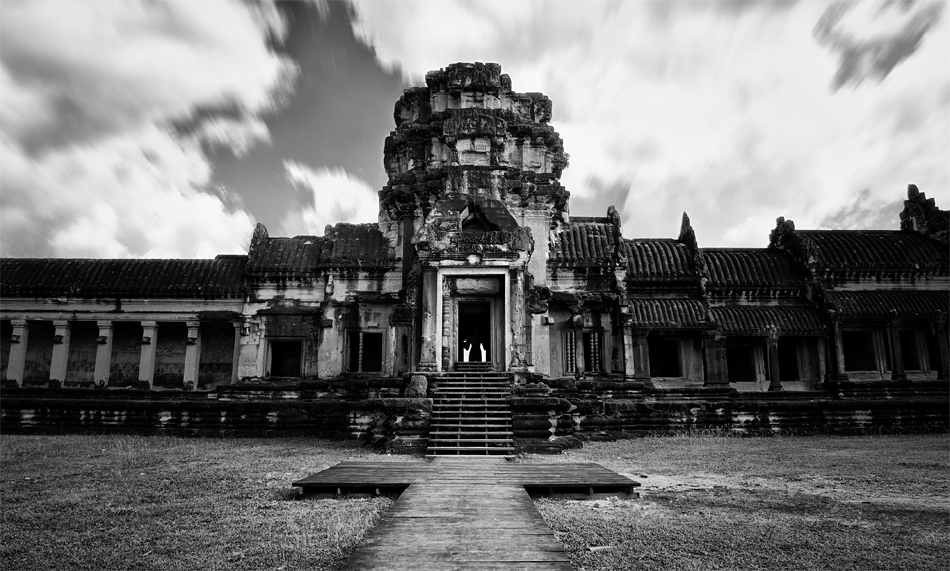 Gate of AngkorWat by GregoriusSuhartoyo