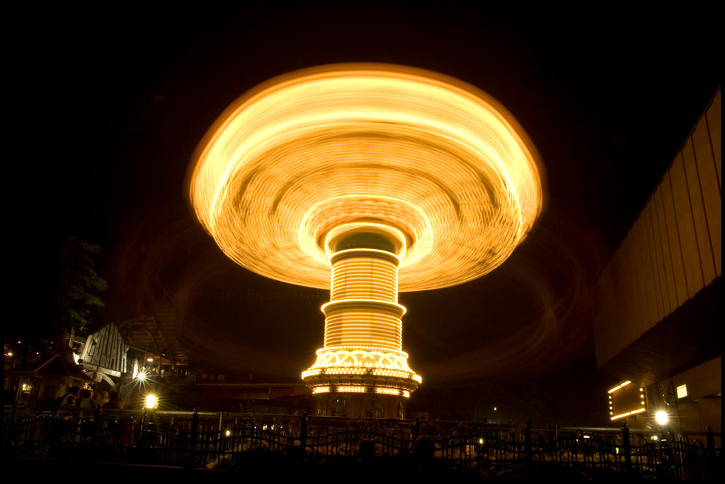 Long Exposure at La Ronde - 16 by particle-fountain