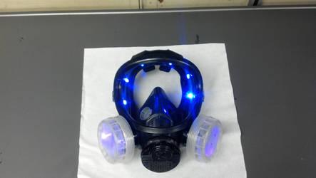 customised gas mask by whoisthelain
