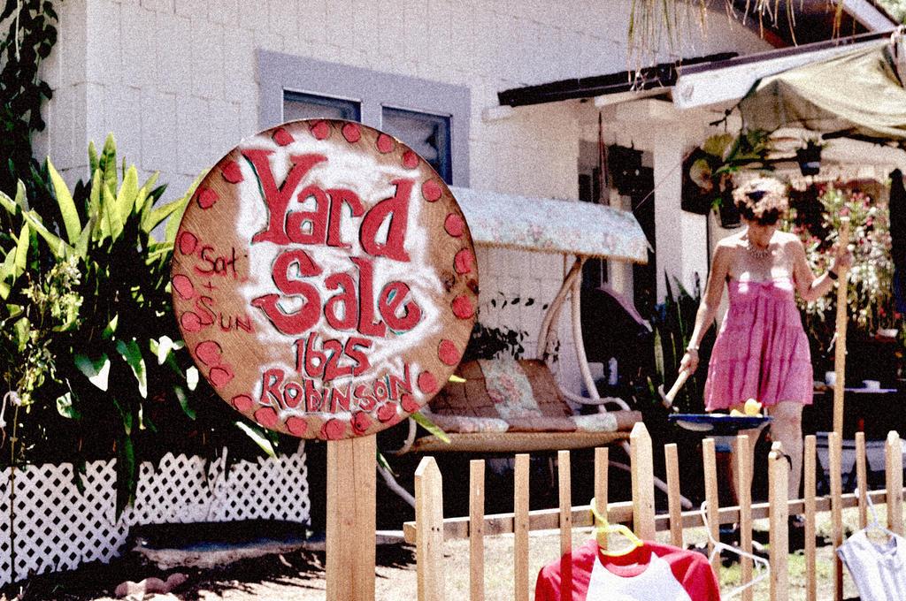 Yard Sale by Kihatsusei