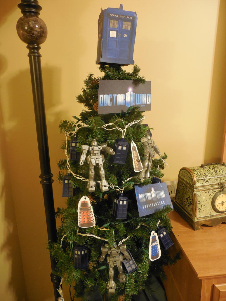 Doctor Who Christmas tree by ToaDJacara