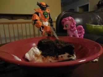 Having Pie with Pinkie