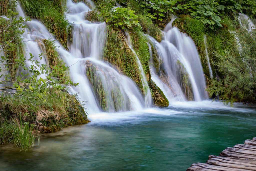 Plitvicka Jezera by NOS-in-my-veins
