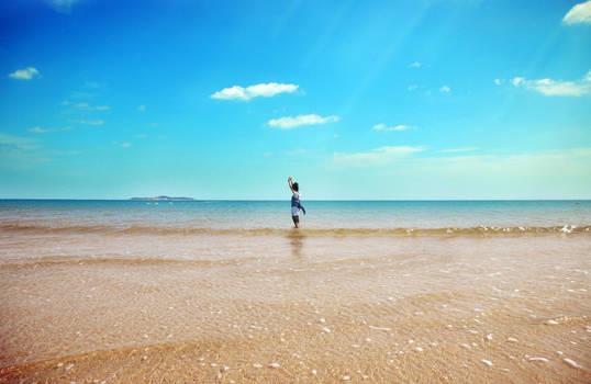 LOVE IN CENTER OF SEA