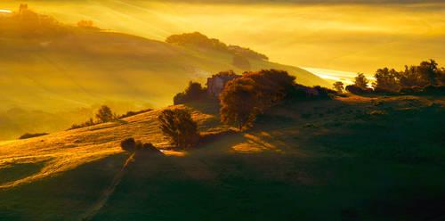 Sunrise over the Crete Senesi by CitizenFresh