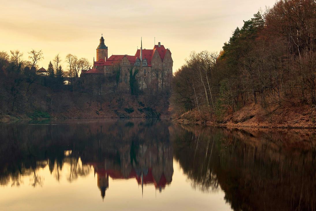 Sunset Over The Czocha Castle by CitizenFresh