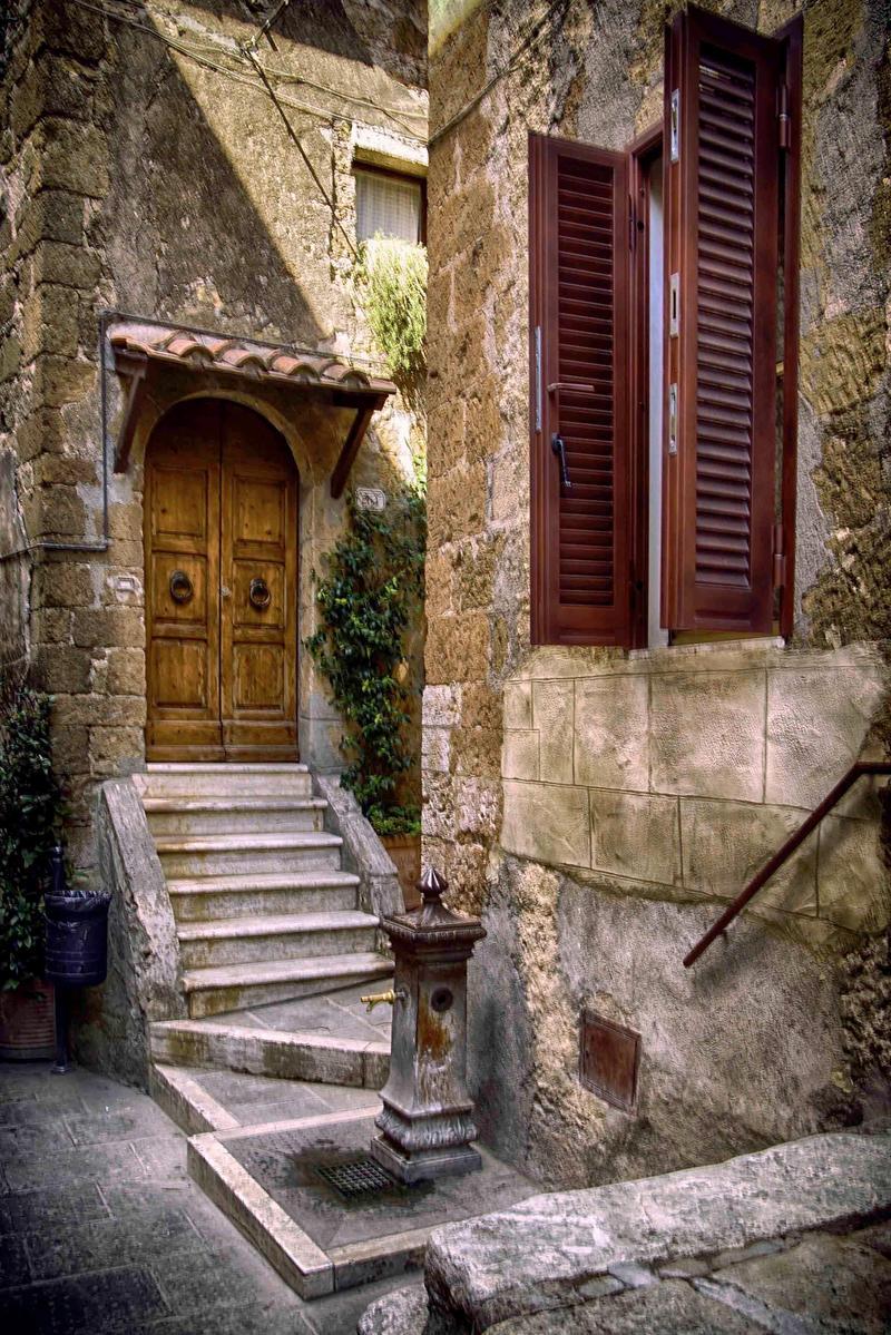 Streets of Pitigliano by CitizenFresh