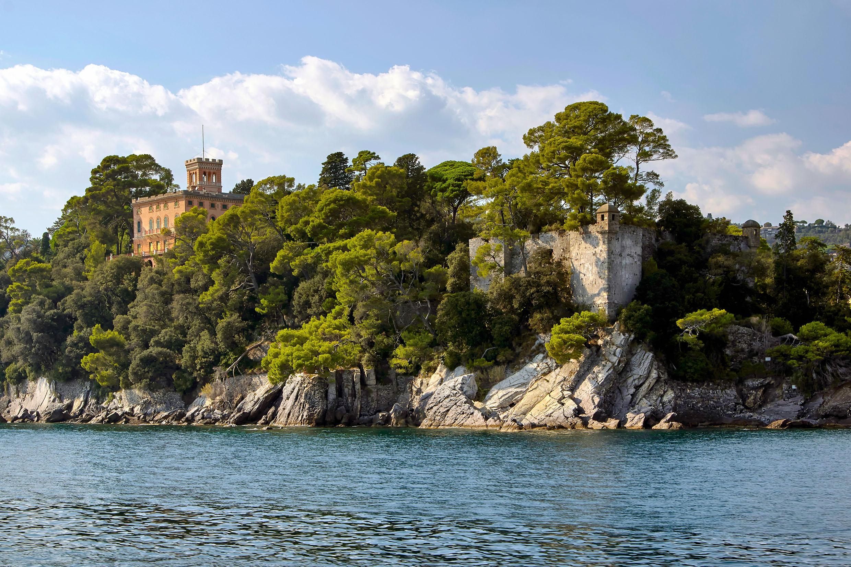 The banks of Lago di Garda by CitizenFresh